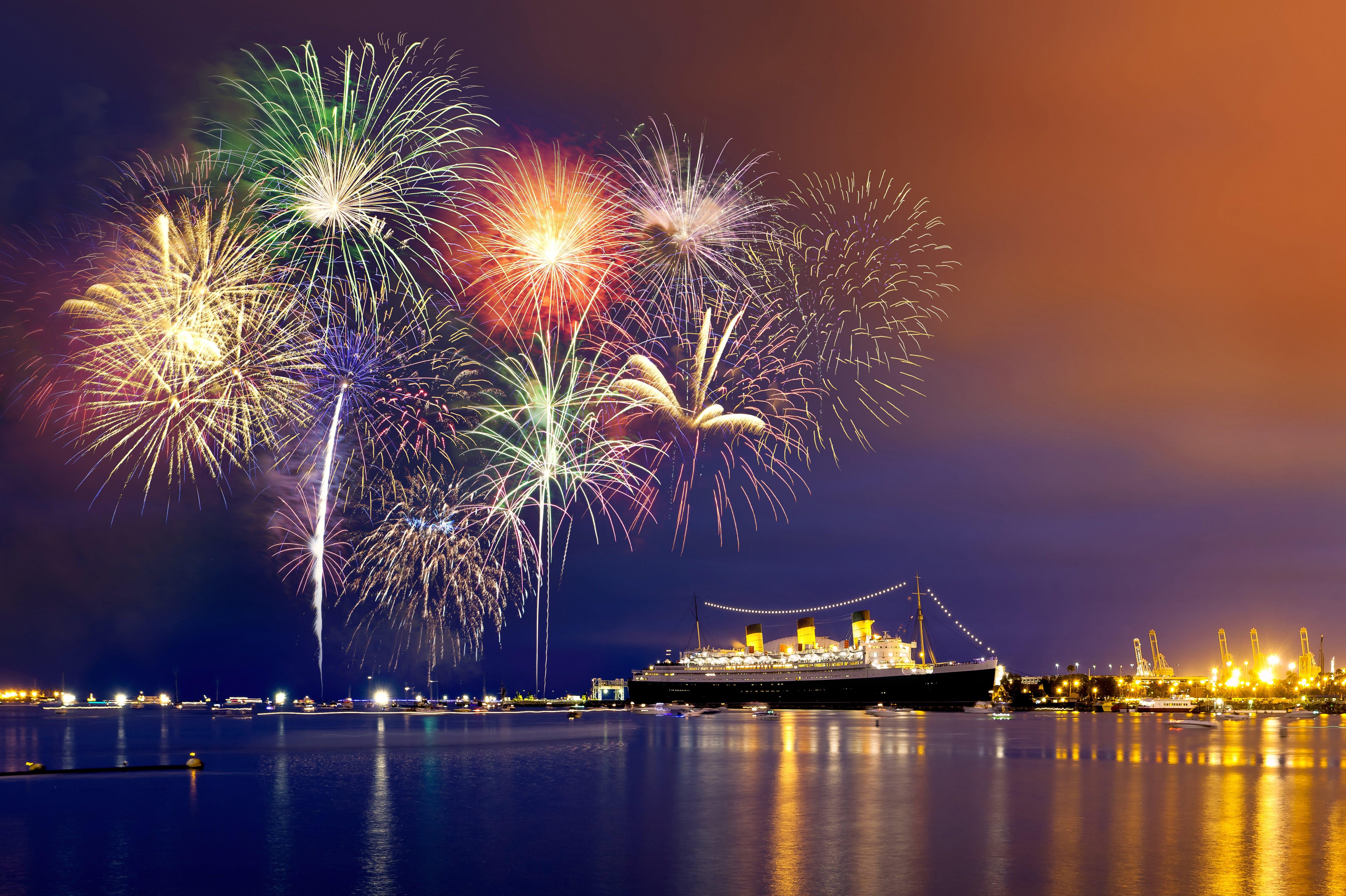 cunard_fireworks