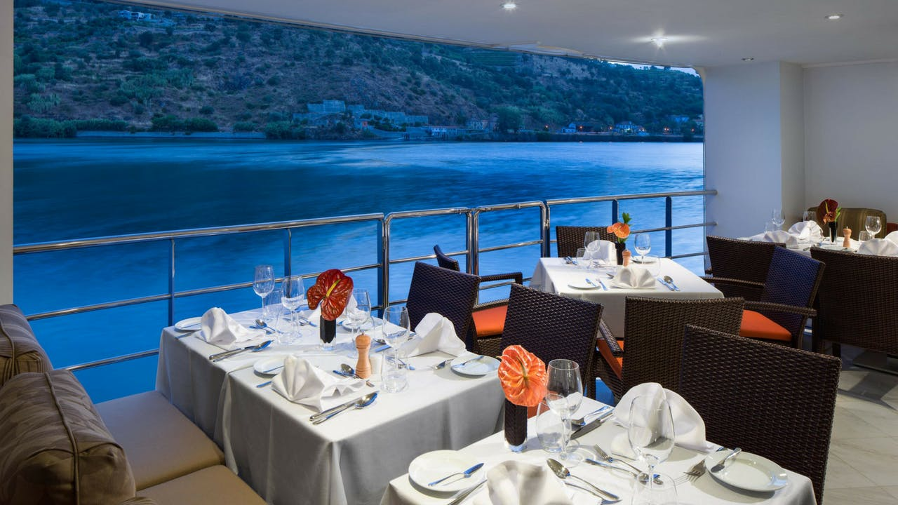AmaWaterways open-air dining room