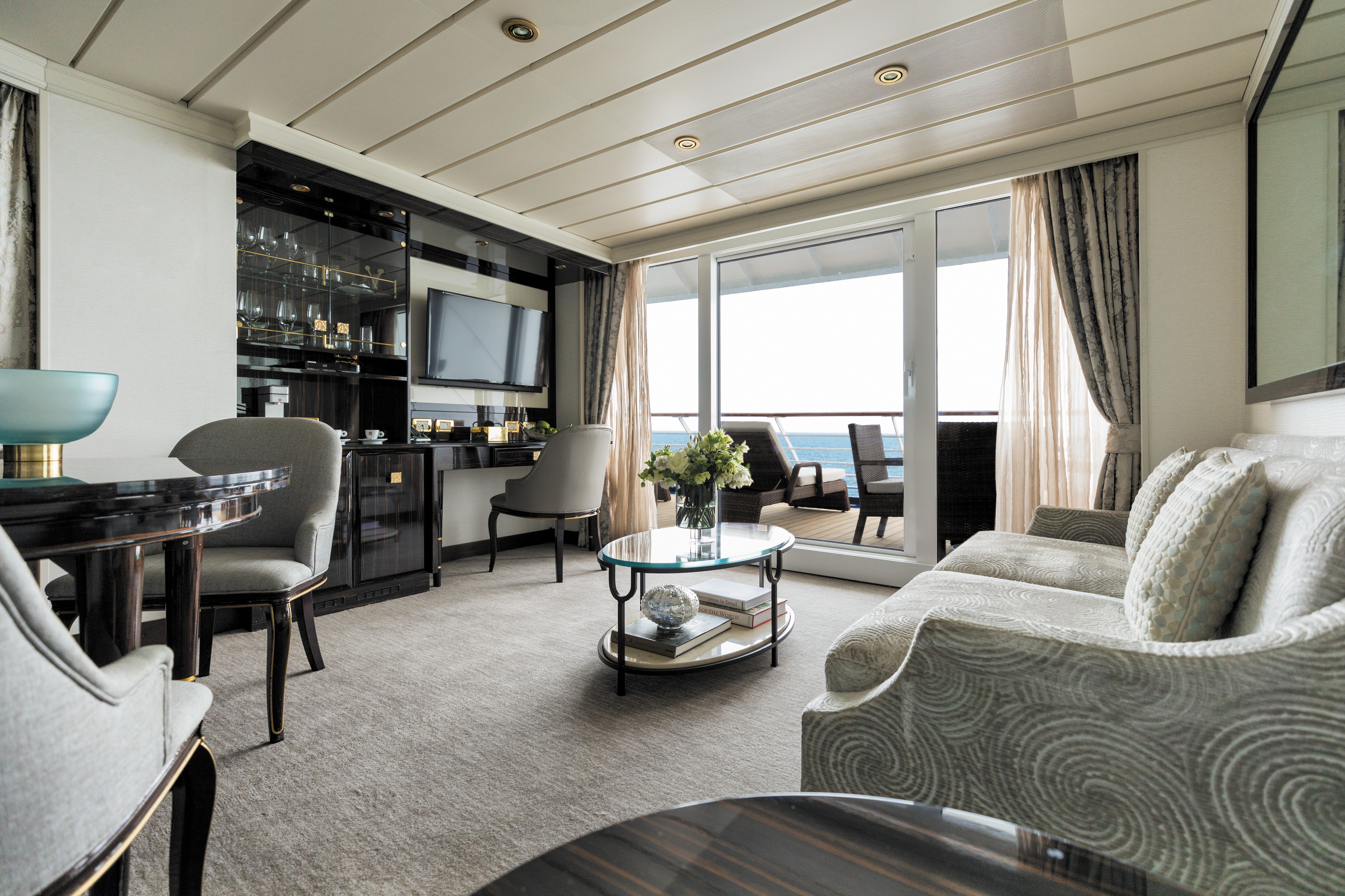Regent Mariner Horizon View Suite